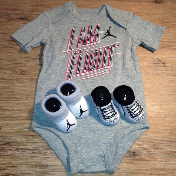 15b5c2ff8 Nike Air Jordan Baby 3 Piece Set SZ 3-6 Months New.  M_5bbf8ea1aa57198e36c55c60
